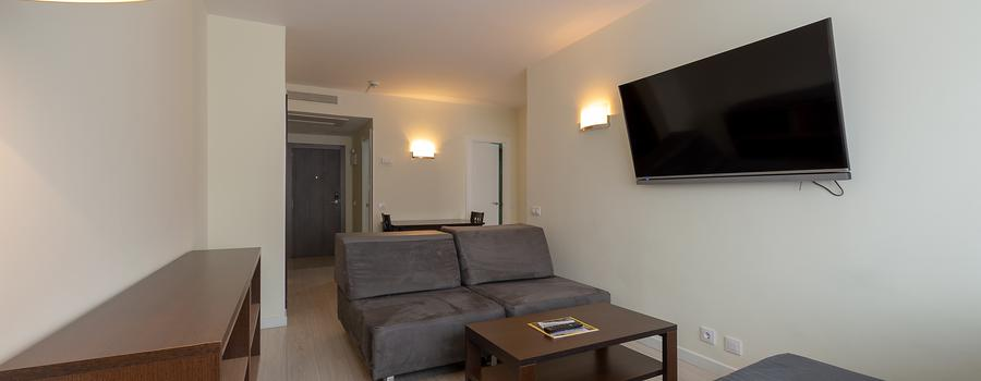 JUNIOR SUITES 1-7 PERSONAS